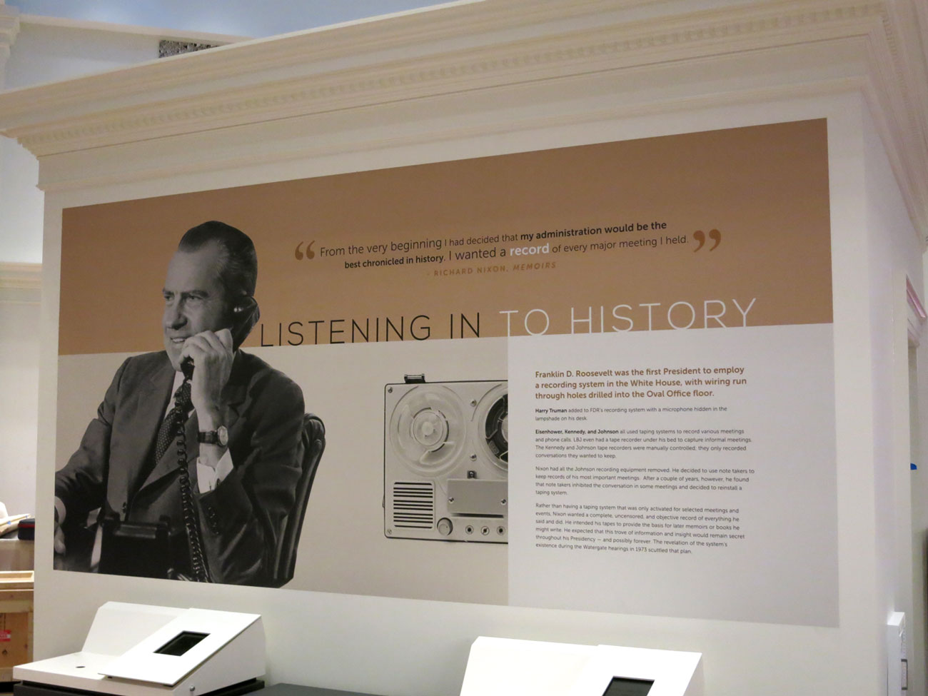 Olson Visual Installed Murals And Wall Graphics For Richard Nixon  # Bibliotheque Mural
